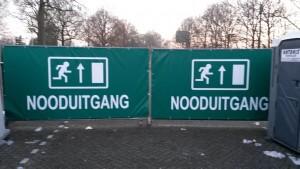 Dubbele poort constructie nooduitgang